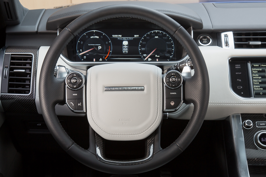 سيارة لاند روفر رانج روفر سبورت 2015 - المقود